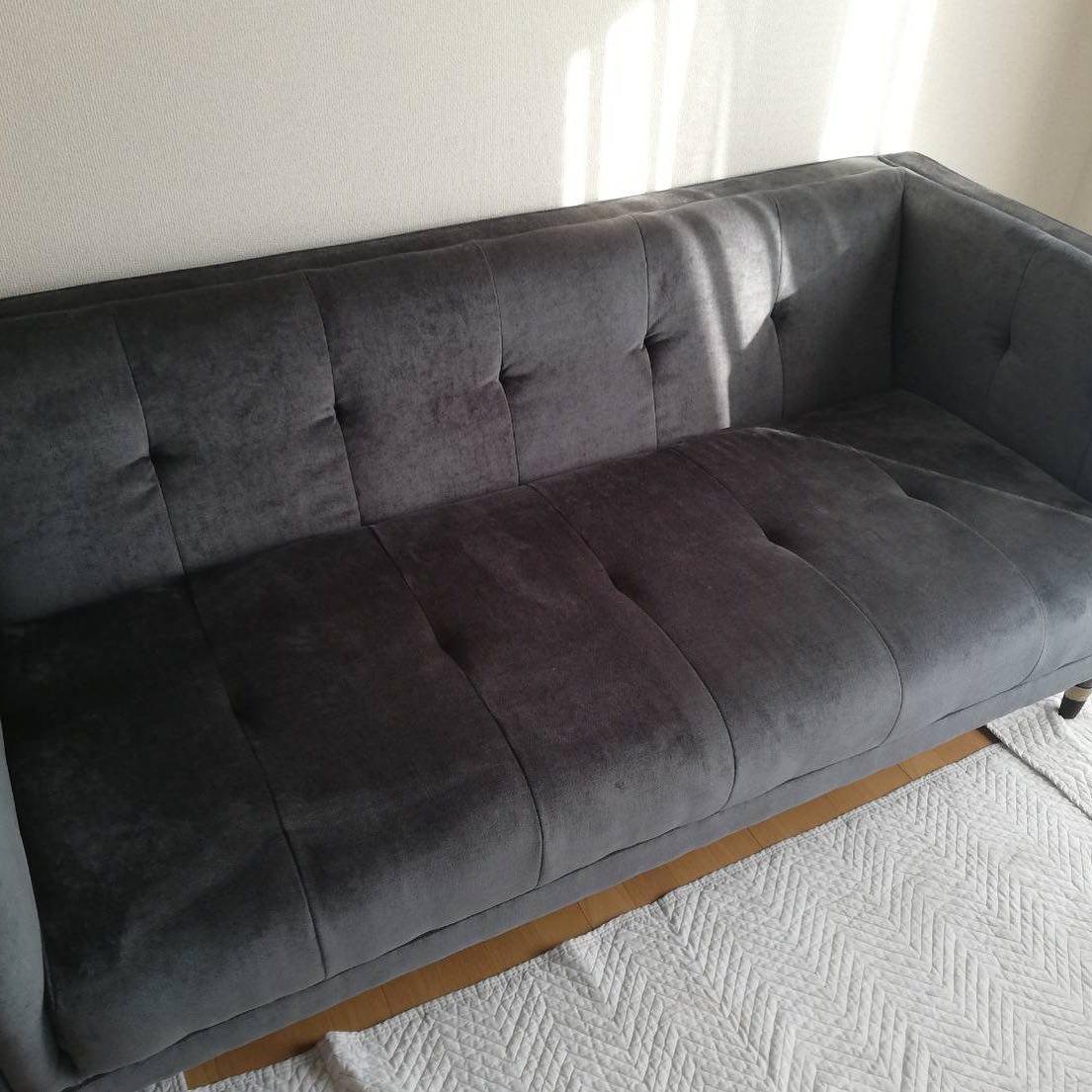 購入したばかりのソファーを消臭洗浄。即日緊急対応。意外と多い事例です。会社が中央区にあるから緊急対応が出来ます。 #粗相#尿臭#嘔吐#緊急対応#ソファー洗浄#消臭#中央区
