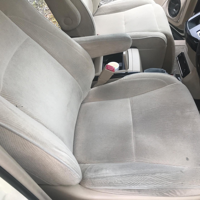 アルファードのカーシートを洗浄しました。汗などの皮脂汚れが主の汚れですので、酵素が汚れに良く効きます。#カーシート洗浄#アルファード#起毛#再汚染防止剤